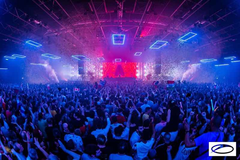 Dancing colours at A State of Trance 950 London