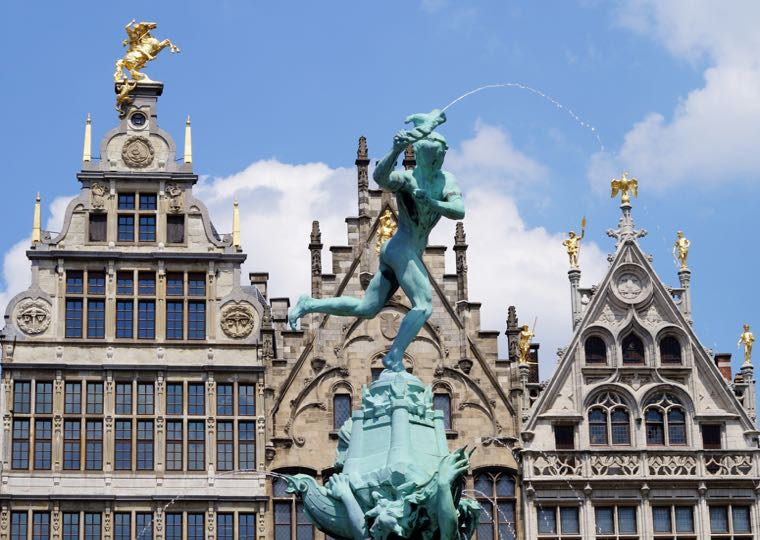 Buildings and statures in Antwerp