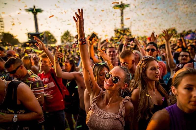 fans dancing at Balaton Sound Festival