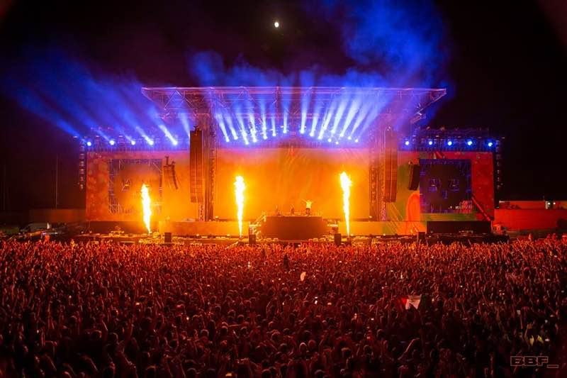 Lights and fire show at Barcelona Beach Festival