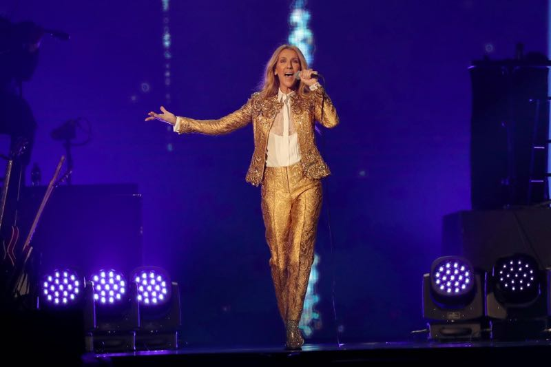 Singing in gold Celine Dion Concert Courage World Tour