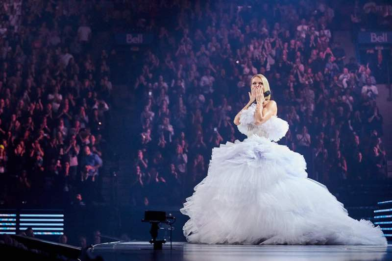 Singing in white Celine Dion Concert Courage World Tour