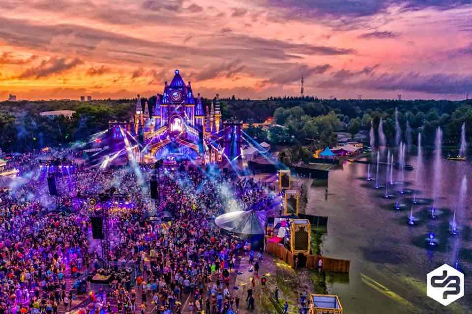 Lights show at Decibel Outdoor Festival