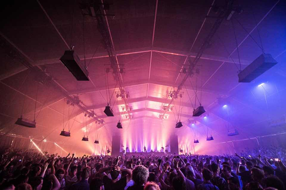 Dancing at indoor stage at Dekmantel Festival