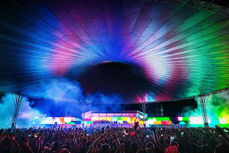 Main stage colours at Dekmantel Festival