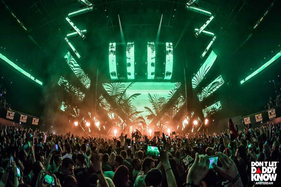 Main stage green lights at dldk don't let daddy know amsterdam festival