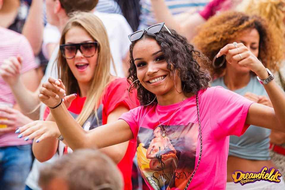 Fans enjoying at Dreamfields Festival