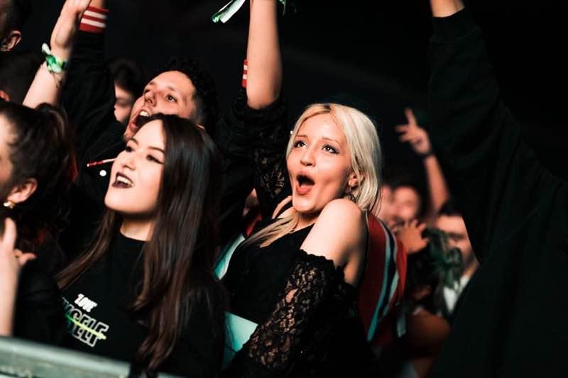 fans excited at Fcknye Festival Brussels
