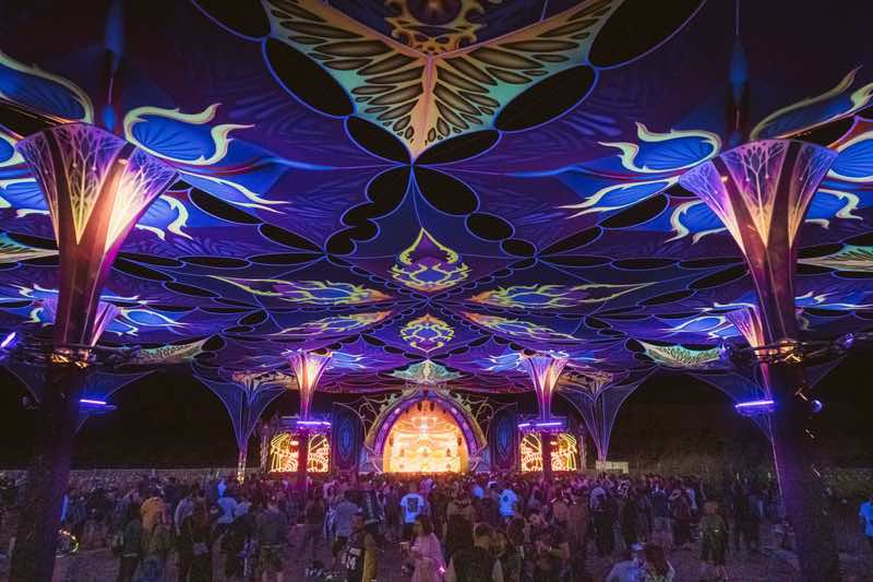 Main stage colours at Flow Experience Festival