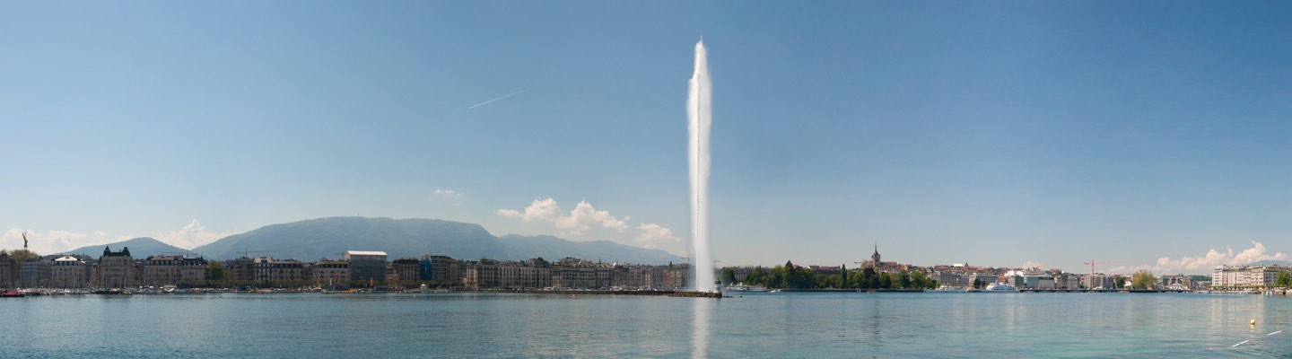 Jet d'Eau in Lake Geneva