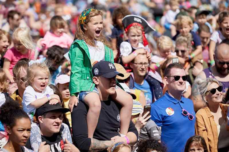 Fans excited at Gloworm Festival