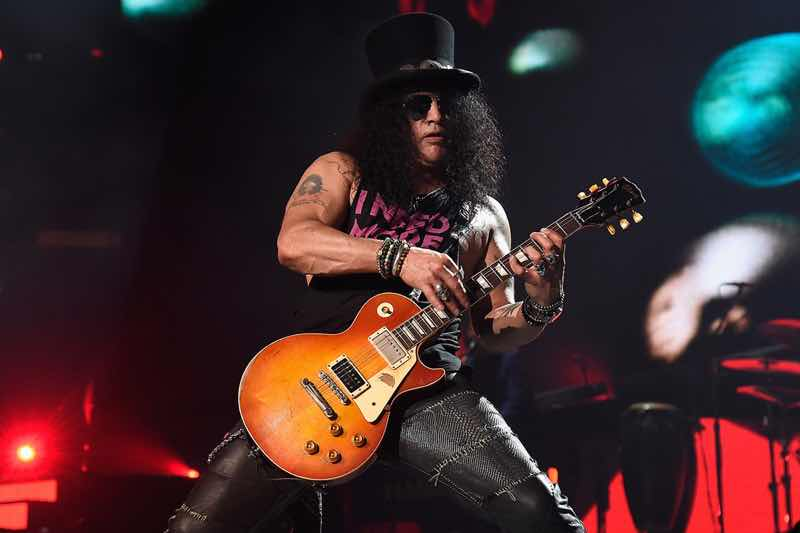 Slash performing at Guns N'Roses Tour