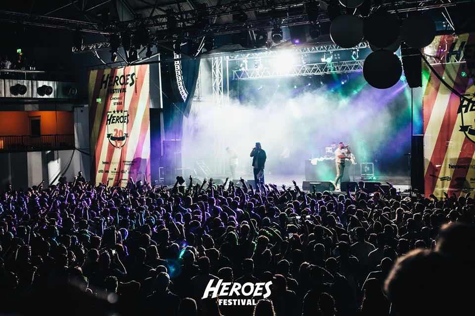 Dj Maxxx on stage at Heroes Festival