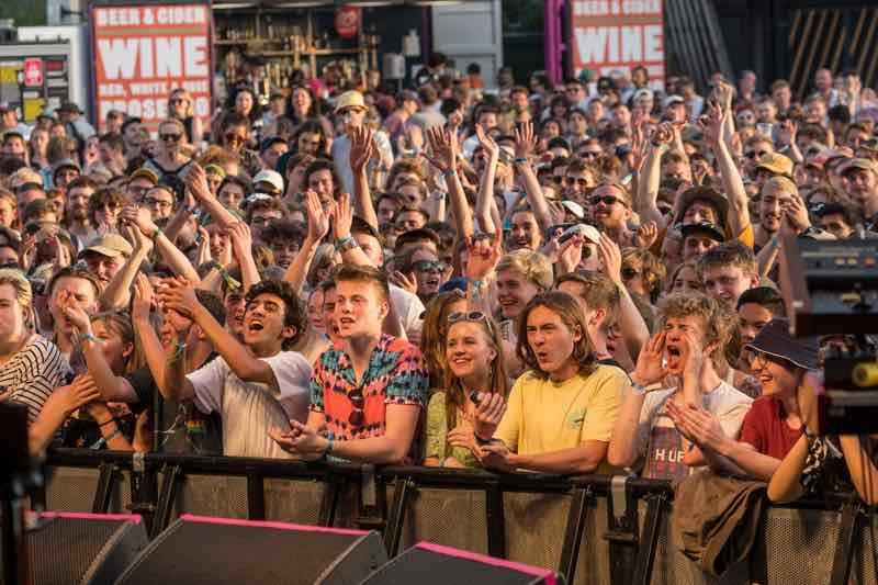 Front row fans at Hi Tide Festival