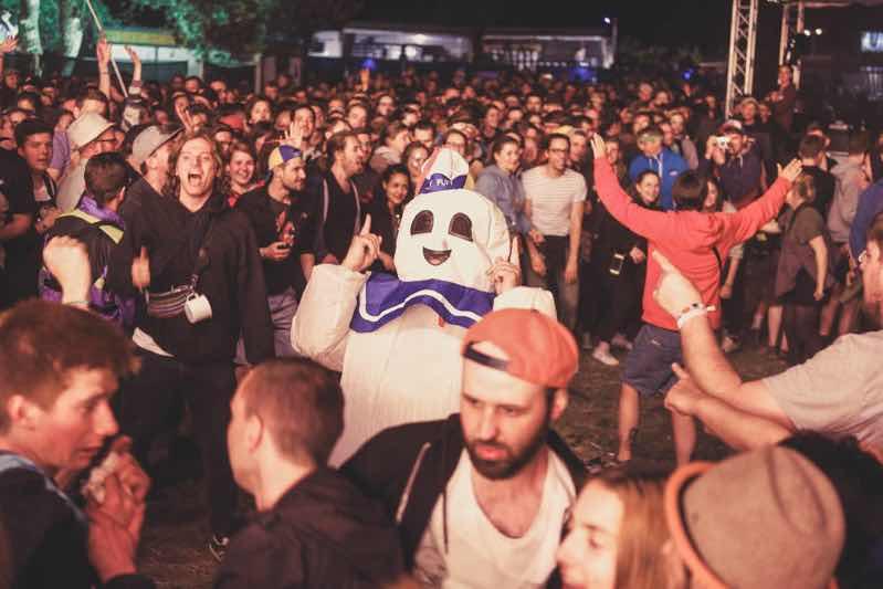 Fans having fun at Immergut Festival