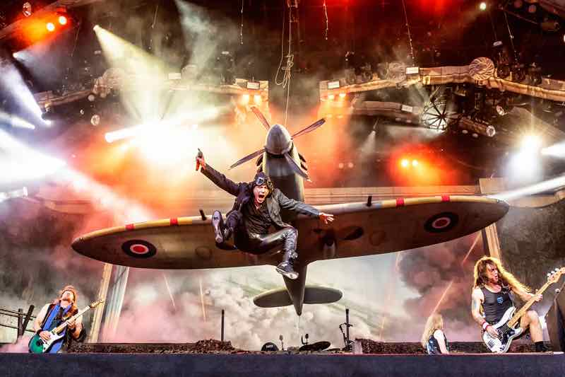 Plane on stage Legacy of the Beast Tour Iron Maiden Lisbon 2020