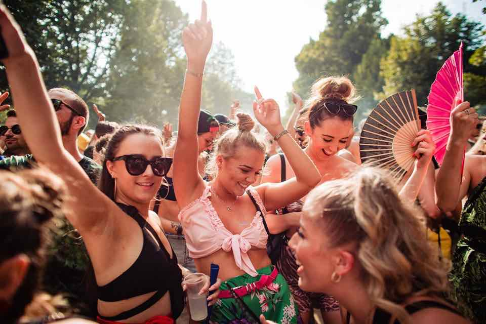 Beauties dancing at Kappa Futur Festival