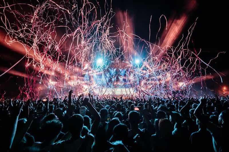 Lights show dancing at Les Eurockeenees Festival
