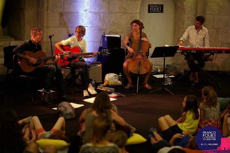 Les Siestes Acoustiques at Les Francofolies Festival