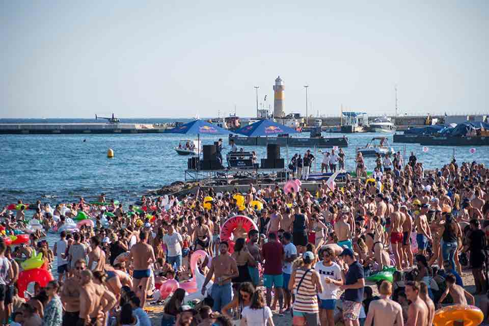 Les Plages Électroniques Festival best beach party festivals in Europe