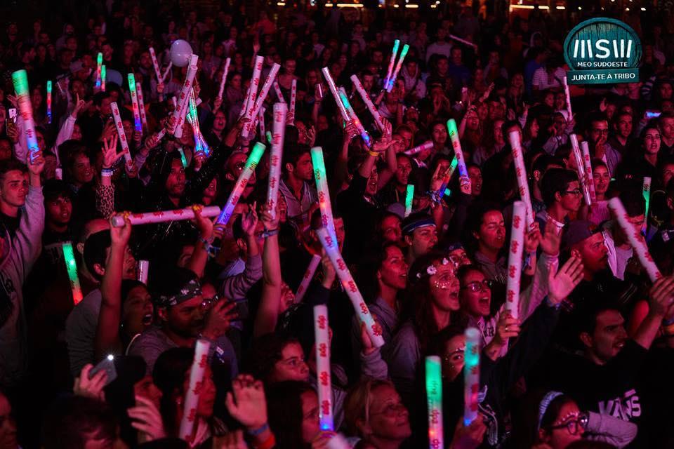 Fans singing at MEO Sudoeste Festival