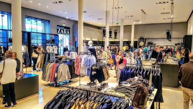Zara Shop at Corso Buenos Aires at Milan bests places to shop