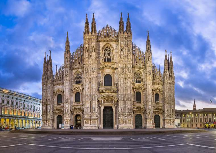 Cathedral at Piazza del Duomo in Milan