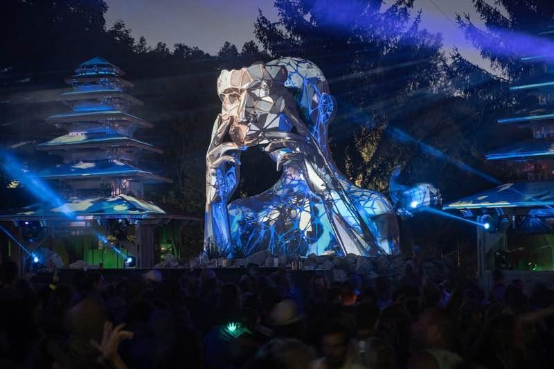 Stage lights at Modem Festival