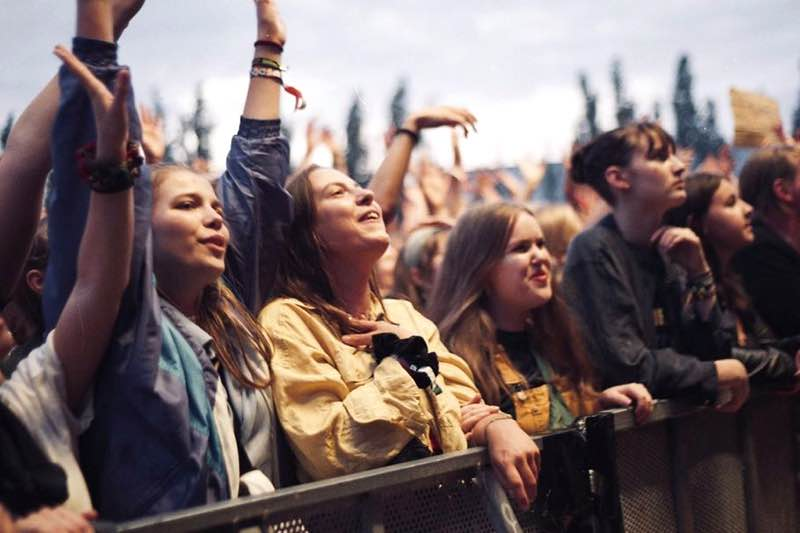 Front row fans at MS Dockville Festival