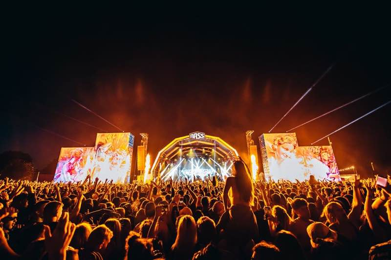 Stage lights at Nass Festival