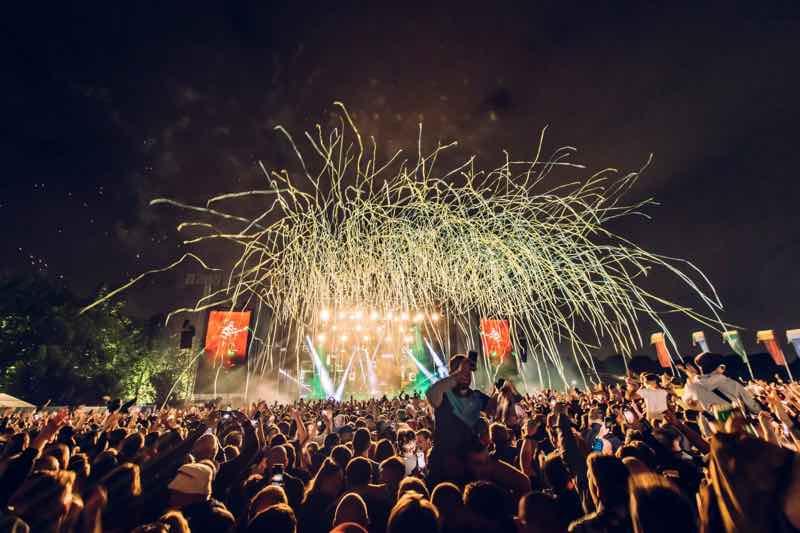 Main stage confetti at Neighbourhood Weekender Festival