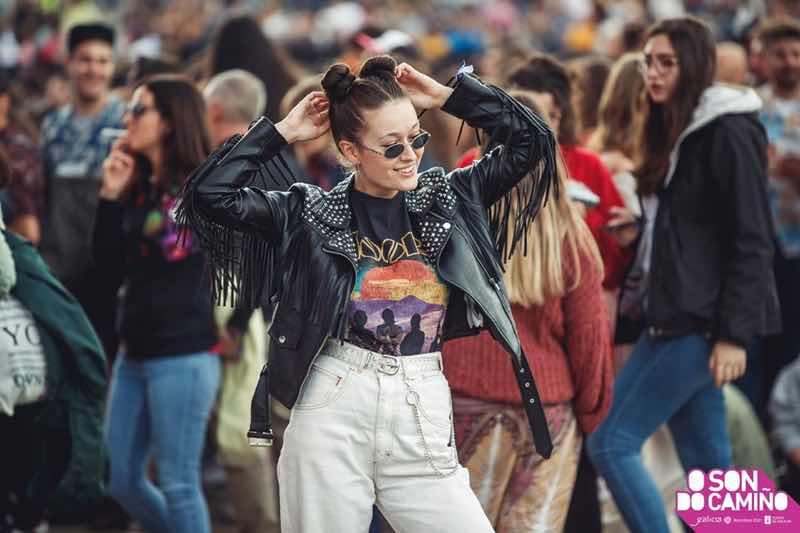 Fans dancing at O Son do Camino Festival