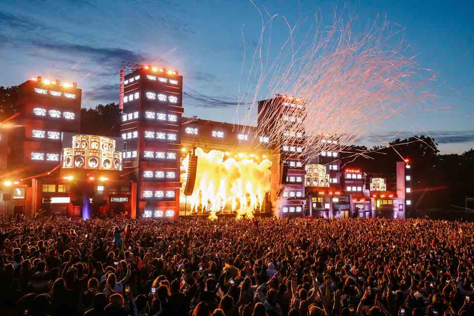 Lights and smoking show at Parklife Festival