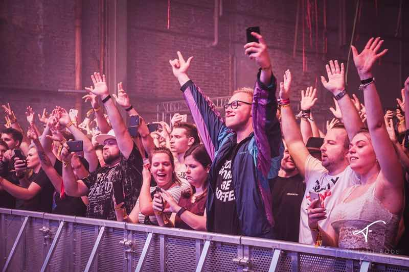 Front row fans at Pioneer Dj Alpha Festival