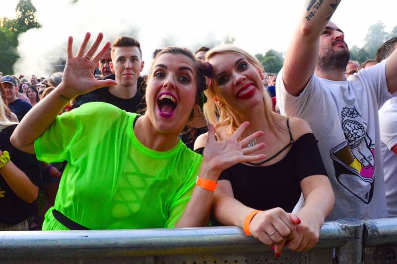 Front row fans excited at Playground Festival