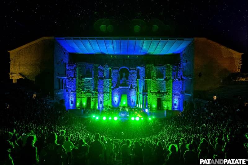 Fans green lights at Positiv Festival