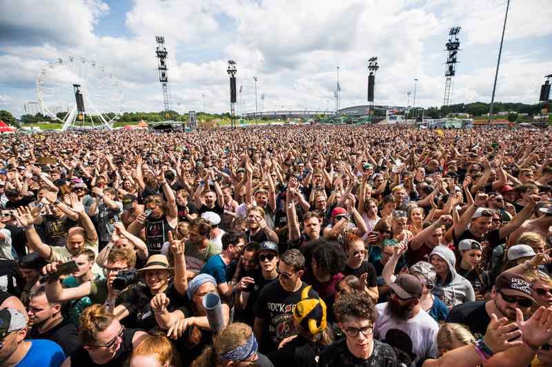 Fans dancing at Rock im Park Festival
