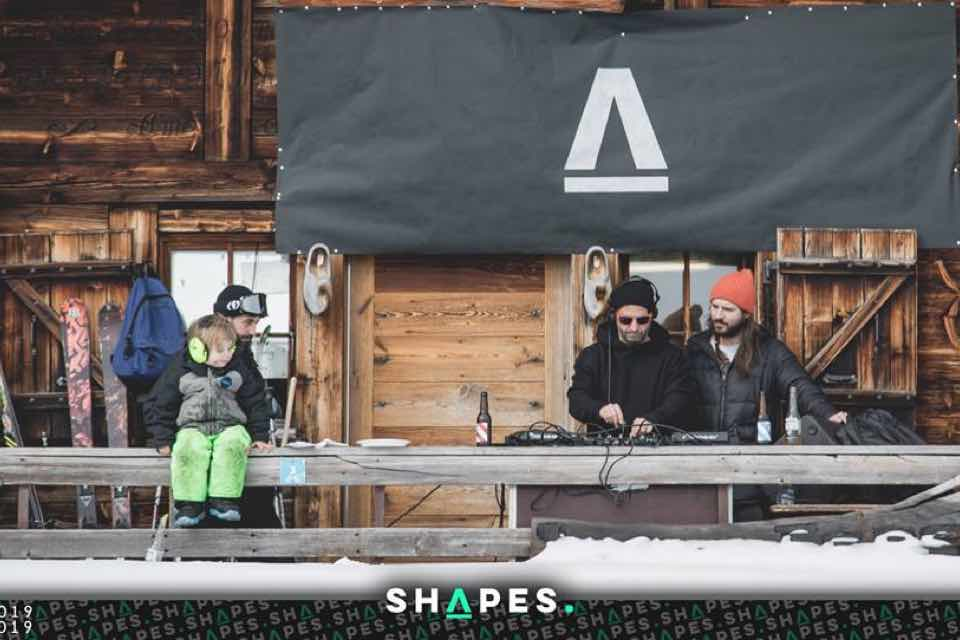 Performing outdoors at Shapes Leycin Festival