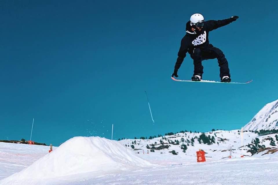 Snowboarding at Snowdaze Festival