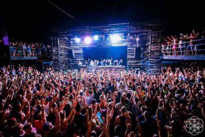 Fans dancing at Sonus Festival
