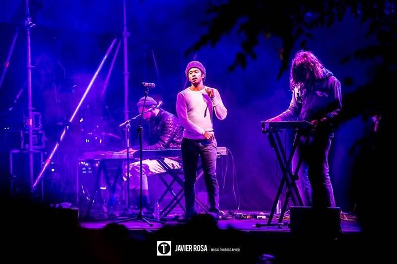 Toro y Moi performing at Tomavistas Festival