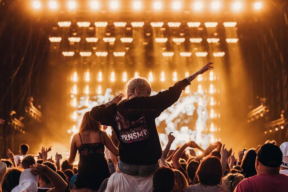 Stage Lights crowd at trnsmt festival