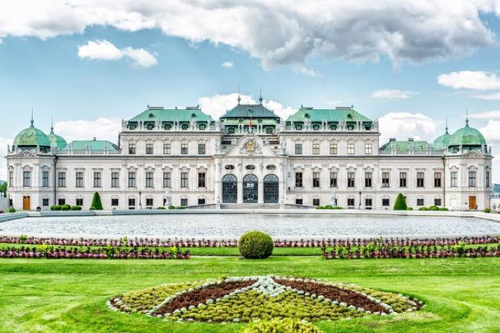 Belvedere Palace tours in Vienna
