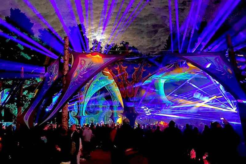 Stage lights show at Voov Experience Festival