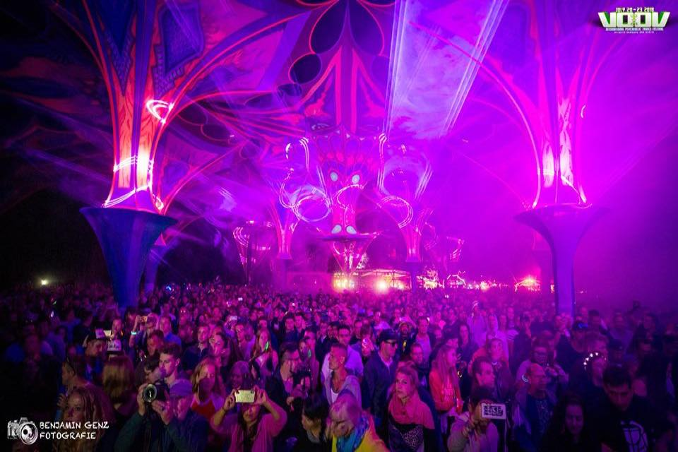 Main stage colours at voov experience psytrance festival