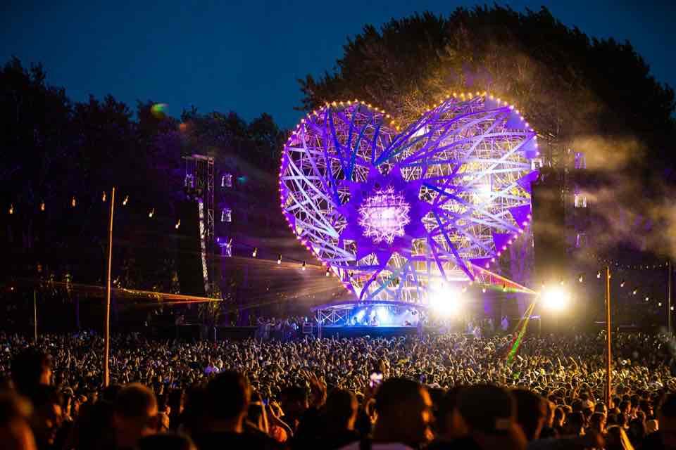 Purple colours at Welcome to the Future Festival