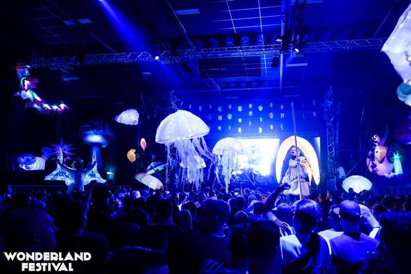 Blue colours at Wonderland Festival Weekender