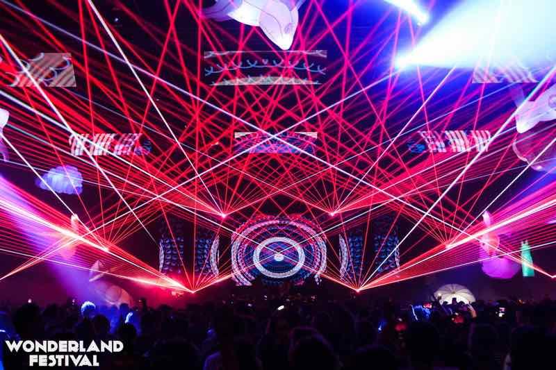 Laser show at Wonderland Festival Weekender